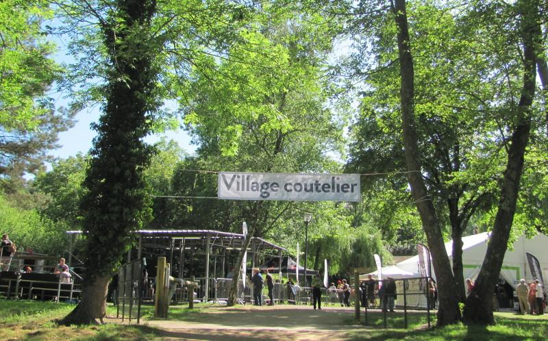 Le village coutelier